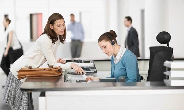 nghề ổn định cho nữ nghề tiếp tân